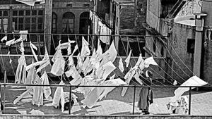 Exposición 'Barcelona fotògrafes' en El Born. En la foto, 'Terrat del carrer d'en Carabassa' (1966).