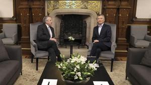 Alberto Fernández y Mauricio Macri durante su reunión, este lunes, en la Casa Rosada.