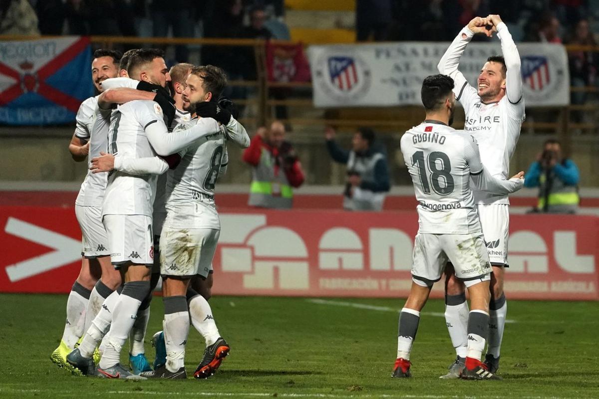La Cultural Leonesa Elimina Al Atlético De La Copa