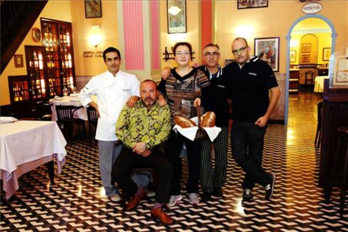 Los hermanos Herrero y los hermanos Pastor en uno de los comedores de Bonanova. Foto: Ricard Cugat