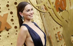 Una de las actrices de la superproducción de HBO que llamó más la atención fue Emilia Clarke.