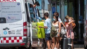 Nou estudiants, hospitalitzats a Palma després de donar positiu en Covid
