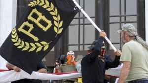Miembros del grupo extremista, supremacista y neofacistaProud Boys.