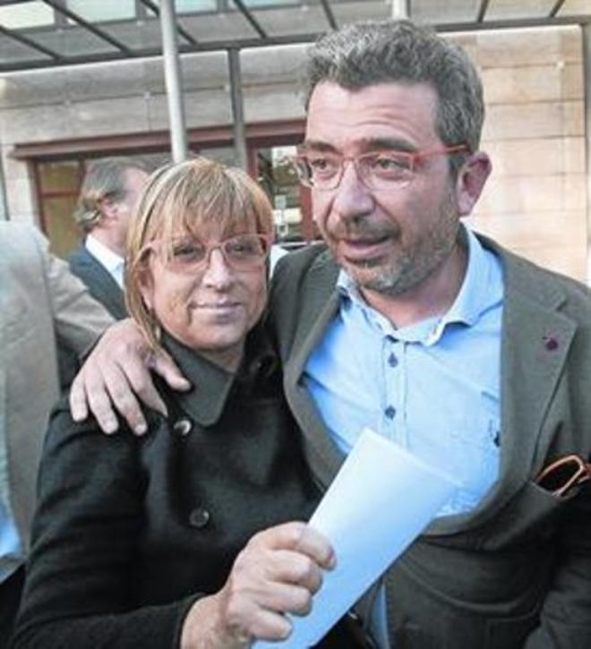 Teresa Gomis, junto al dirigente de CDC Francesc Sánchez.