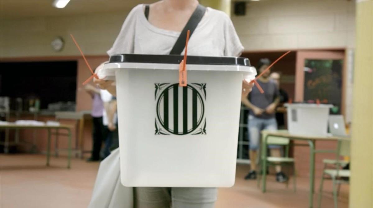 Urna del referéndum del 1 de octubre.