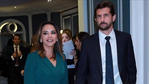 Chenoa y su novio Miguel Sanchez Encinas.