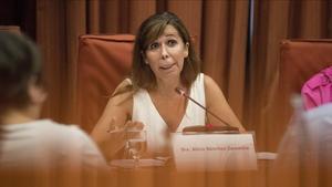 La expresidenta del PPC Alicia Sánchez-Camacho, durante su intervención en el Parlamenten la comisión de investigación de la 'operación Cataluña'.