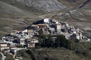 Imagen del municipio de Castelluccio, donde son evidentes los daños del terremoto del 30 de octubre.