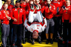 Loeb es torna a apuntar al Dakar