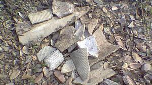 Trozos de uralita, elaborada con fibras de amianto.