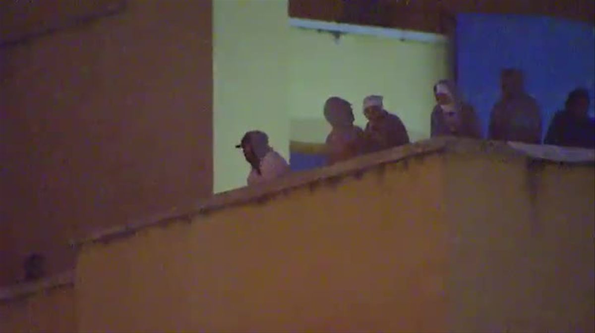 Internos del CIE de Aluche se han amotinado en la azotea del edificio