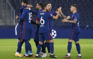 Los jugadores del Atlético celebran la clasificación en Salzburgo.