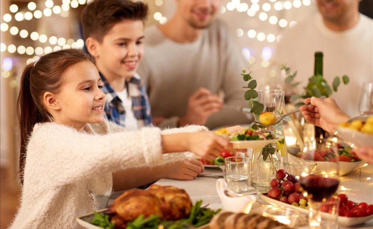 Catalunya estudia la fórmula '10 adults més nens' per als àpats de Nadal