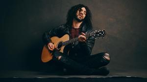 El músico egipcio Ramy Essam.