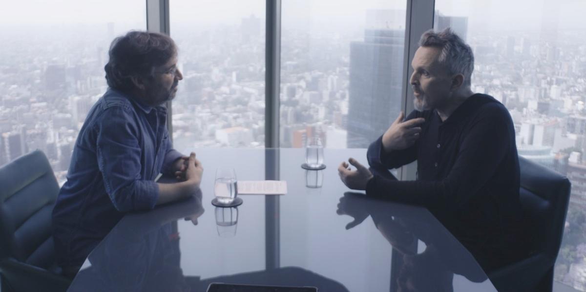 Évole y Bosé, durante la entrevista.