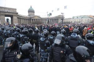 Una manifestación multitudinaria en Rusia en apoyo a Navalni.