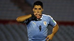 Luis Suárez tras marcar de penalti en el Uruguay 2-1 Chile clasificatorio para el Mundial 2022