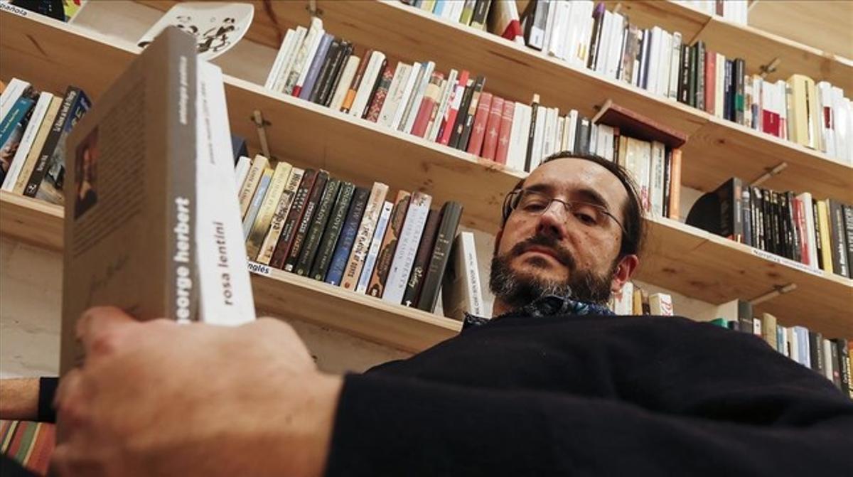 Juan Pablo Roa en su editorial, Animal Sospechoso.