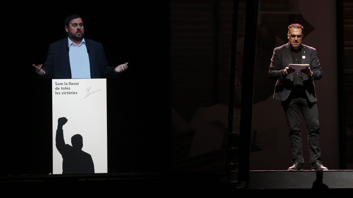 El exvicepresidente del Govern y presidente de ERC, Oriol Junqueras, en prisión preventiva, ha expuesto su posicionamiento político a través de una conferencia organizada por Esquerra.