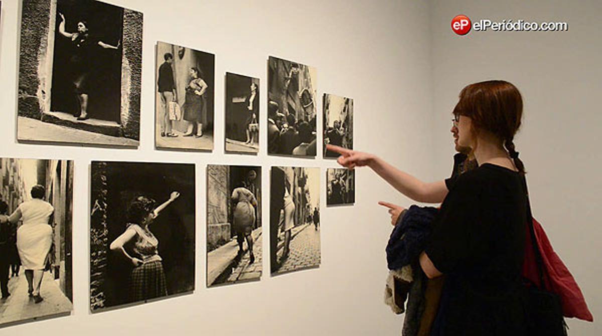El Museu Nacional d'Art de Catalunya acoge la exposición 'Joan Colom. Fotografies 1957-2010. Jo faig el carrer'.