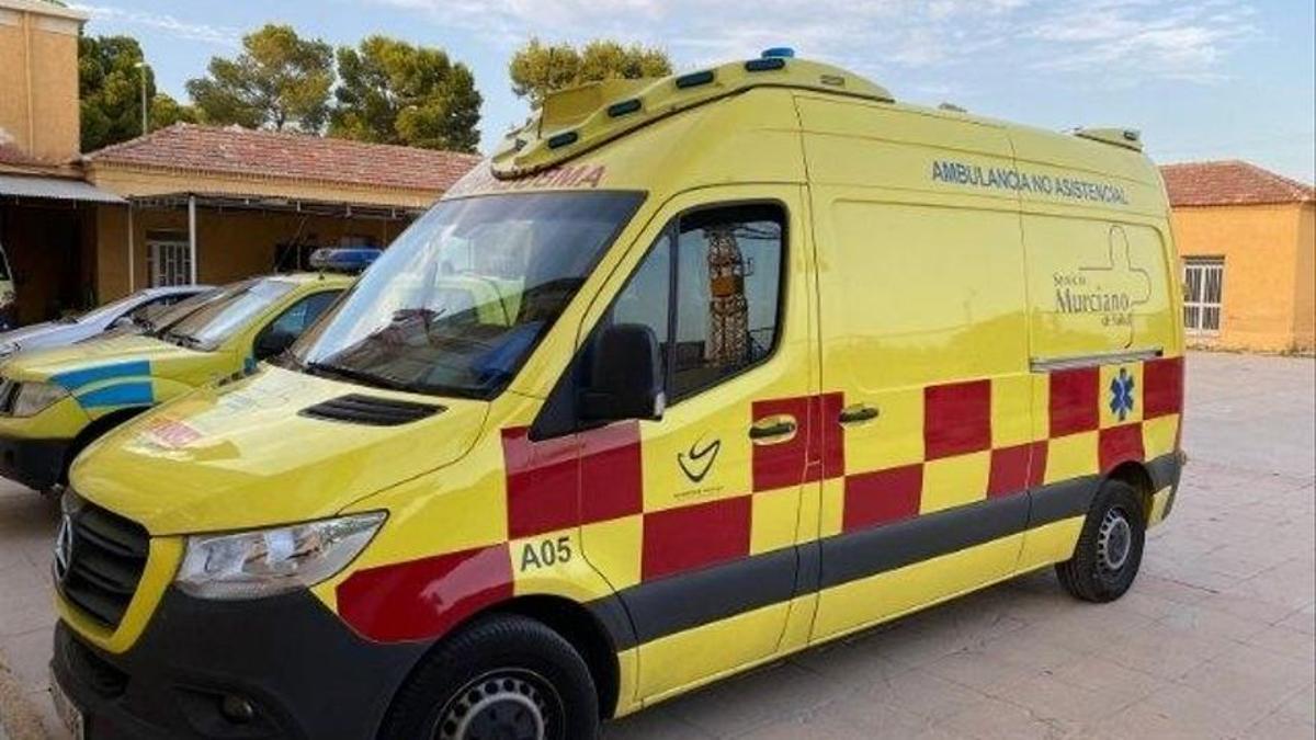 Ambulancia el Servicio Murciano de Salud.