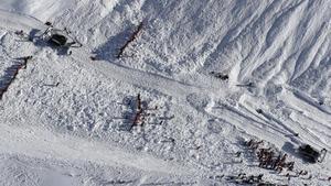 Avalancha de 'nieve en la estación de esquí de Tignes, en los Alpes franceses.