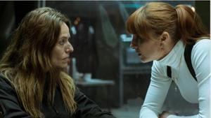 Lisboa y Alicia (La casa de papel 4, Netflix).