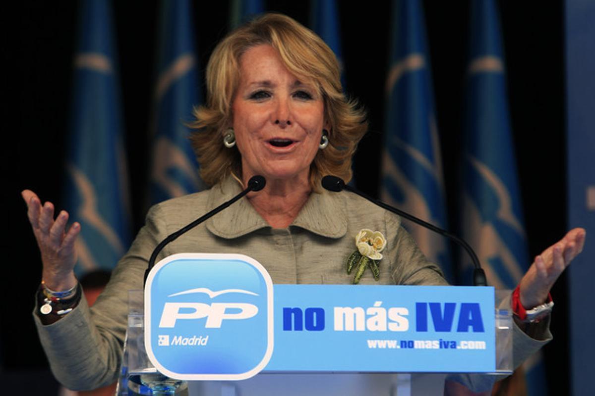 Esperanza Aguirre en campaña contra la subida del IVA de 2010