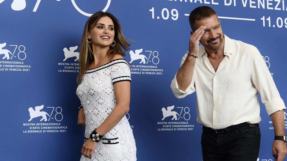 Penélope Cruz y Antonio Banderas en el festival de cine de Venecia, este sábado.