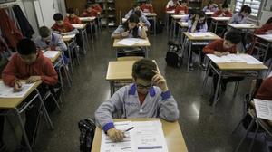 Examen de competencias básicas en un colegio de Barcelona, el pasado mayo.