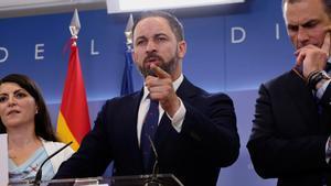 Vox presenta una querella criminal a Zapatero por colaboración con ETA.