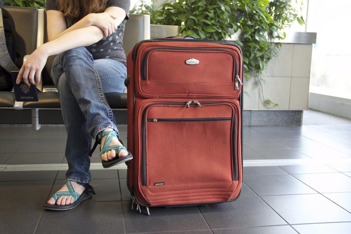 Las crisis económicas hacen que muchos jóvenes busquen en el extranjero la oportunidad laboral