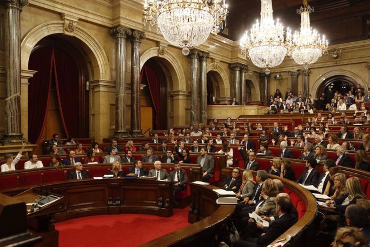 Votación de la comisión de control del 9-N, este miércoles en el Parlament.