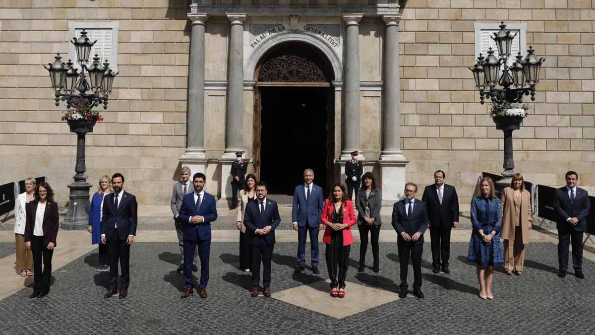 Foto de familia del nuevo Govern de la Generalitat.