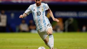 Amb un Messi inspirat, l'Argentina derrota l'Uruguai i lidera el Grup B de la Copa Amèrica