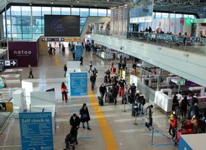 El aeropuerto de Fiumicino, en Roma, este domingo.