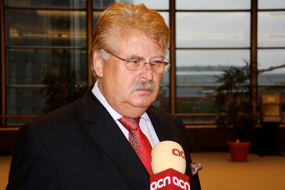 Elmar Brok, presidente del Comité de Exteriores del Parlamento Europeo,durante la entrevista.