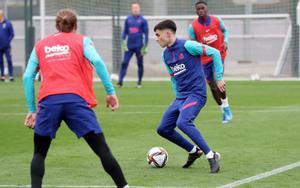 Pedri, en un entrenamiento en la ciudad deportiva del Barça.