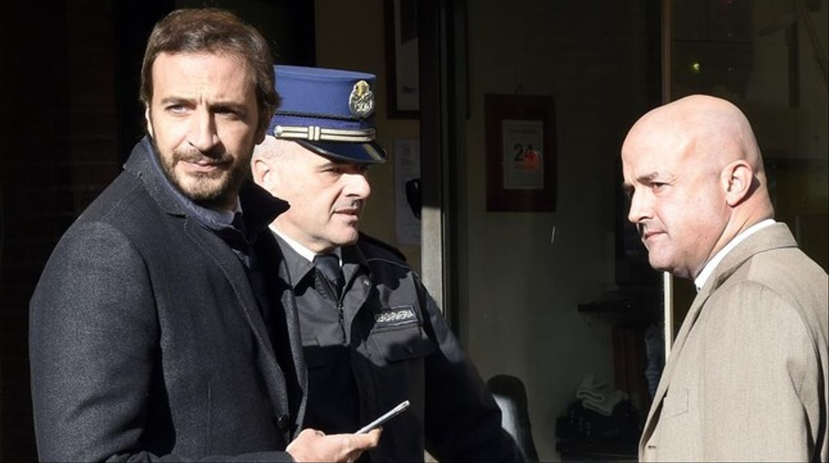 Los periodistas Emiliano Fittipaldi yGianluigi Nuzzi (derecha) a su llegada al juicio.