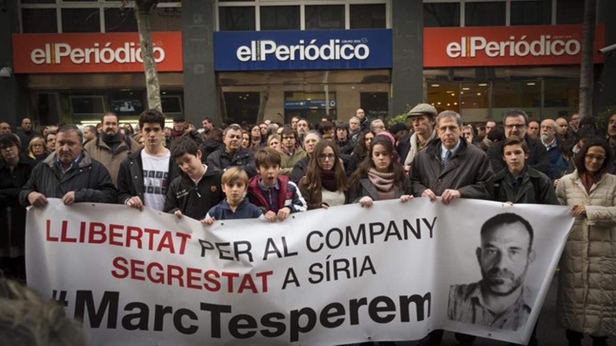 Concentración por Marc Marginedas en las puertas de El Periódico y Sport, esta tarde.