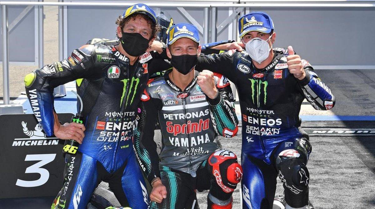 Valentino Rossi, Fabio Quartararo y Maverick Viñales, en el podio de Jerez de ayer en MotoGP.