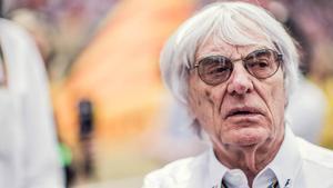 El dueño de la F1 Bernie Ecclestone, durante un gran premio