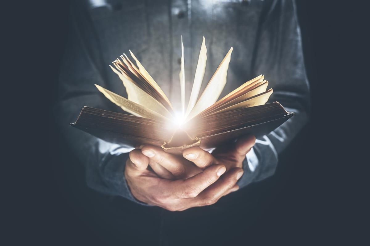Un libro abierto.