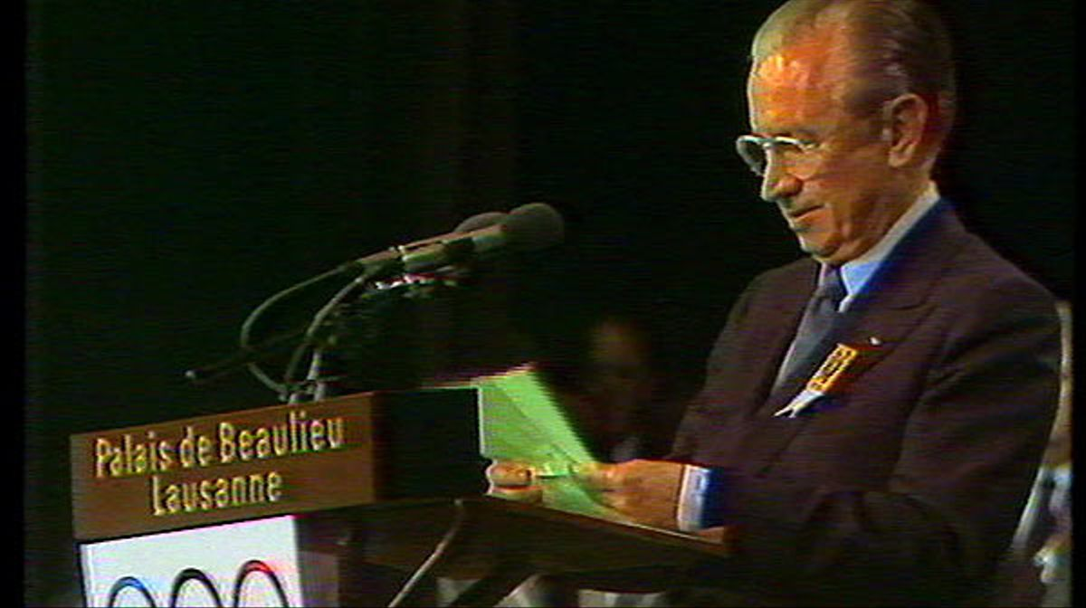 El 17 de octubre de 1986, Juan Antonio Samaranch designaba a Barcelona como ciudad olímpica. Los barceloneses lo celebraron por todo lo alto.