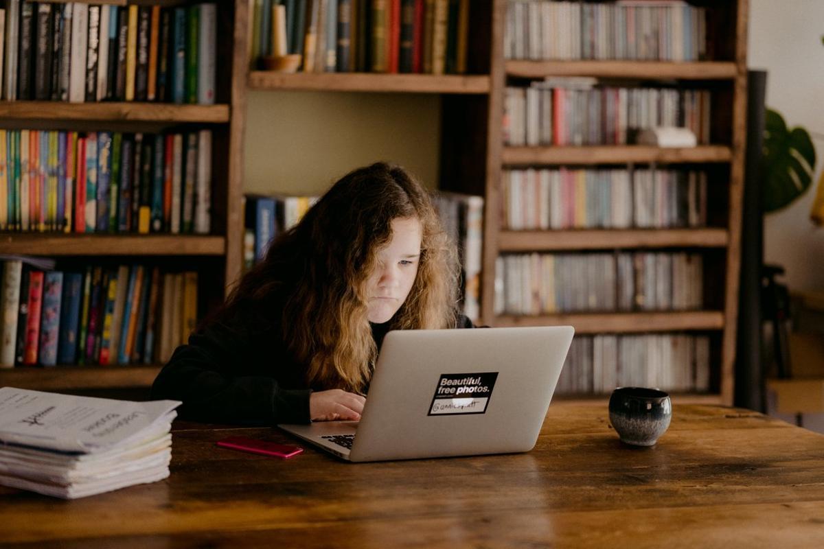 El mayor uso de Internet y dispositivos móviles en la cuarentena hace más vulnerables a empresas y ciudadanos, especialmente a los menores de edad.