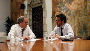 Torra y Aragonès, durante la reunión que han mantenido este viernes en el Parlament.