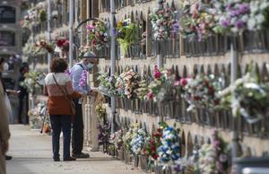 Consulteu els horaris i serveis dels cementiris de Catalunya per al dia de Tots Sants