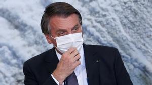 Bolsonaro, ingressat per un atac de singlot i dolors abdominals