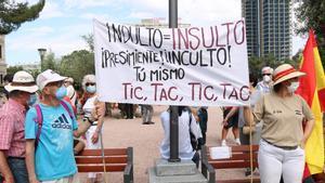 Manifestantes contra los indultos en la Plaza de Colón