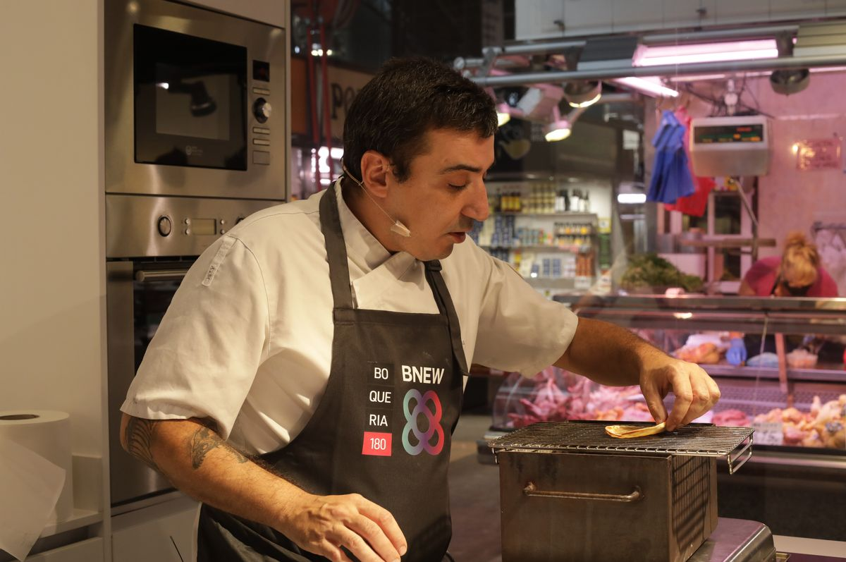 Cocinero en el BNEW de la Zona Franca